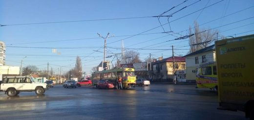 469457_v_odesse_stolknulis_tramvaj_i_inomarka_dv.jpeg